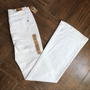 Rachel Roy white high rise flare jeans size 29